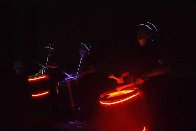 LED Drummers (Işıklı Davul Show) Nasıl Bir Gösteridir?